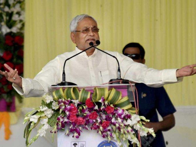 Modi, unlike Manmohan, is not a nominated PM:  Nitish Kumar
