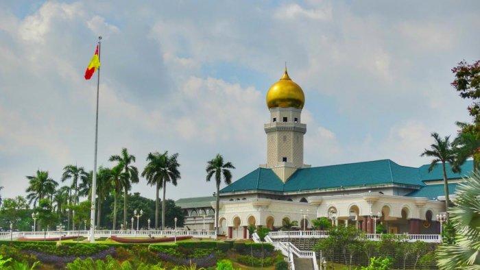 Malay of The Many