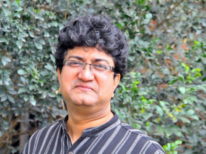 Joshi slams 'Padmavati' makers for screening film without certificate