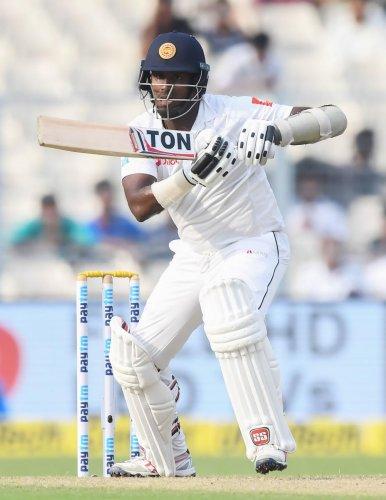 Lanka hold the upper hand
