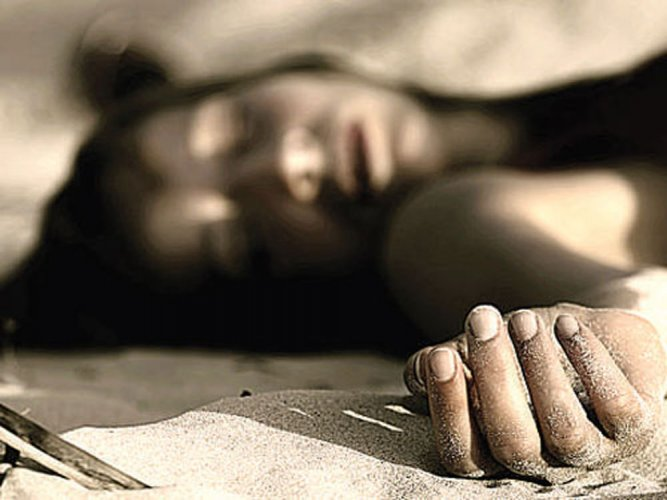 Superstitious villagers disown young mother's dead body