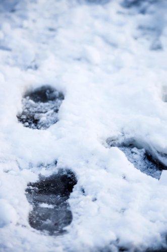 Canada highway throws lifeline to Arctic hamlet