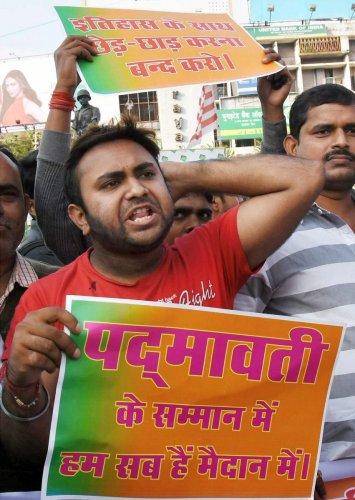 Padmavati in fresh row over screening for media houses