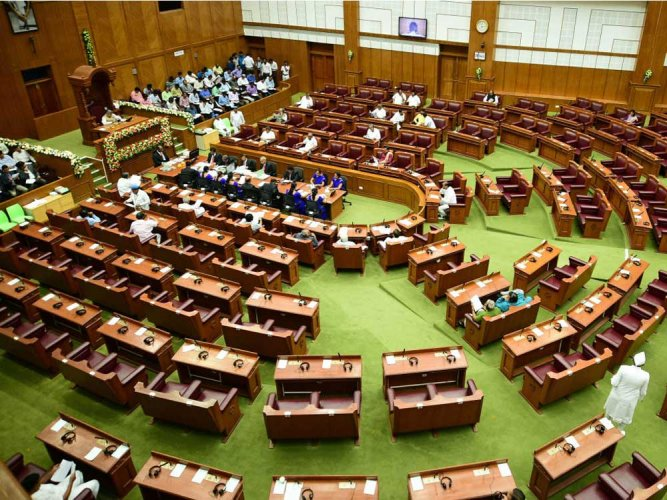 Empty Treasury bench in Assembly embarrasses govt