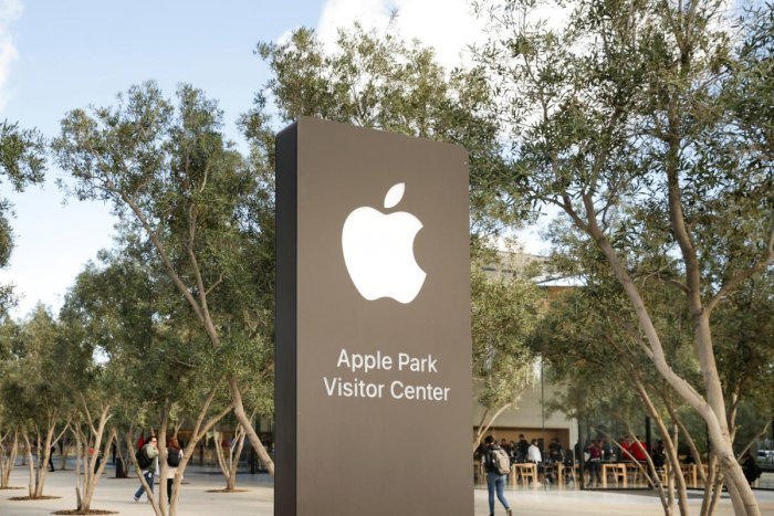 Apple scientists disclose self-driving car research