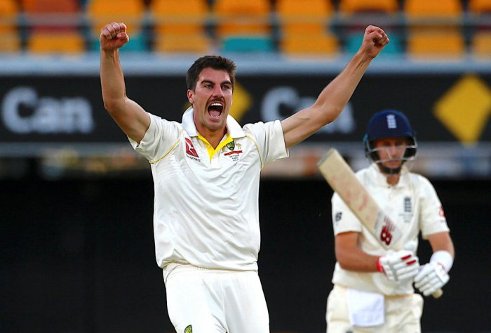 Aussies fight back to restrict England