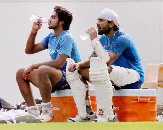 Kolhi impressed with Vijay Shankar