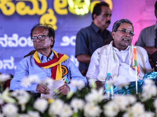 Sammelana president seeks Sait's ouster as education minister