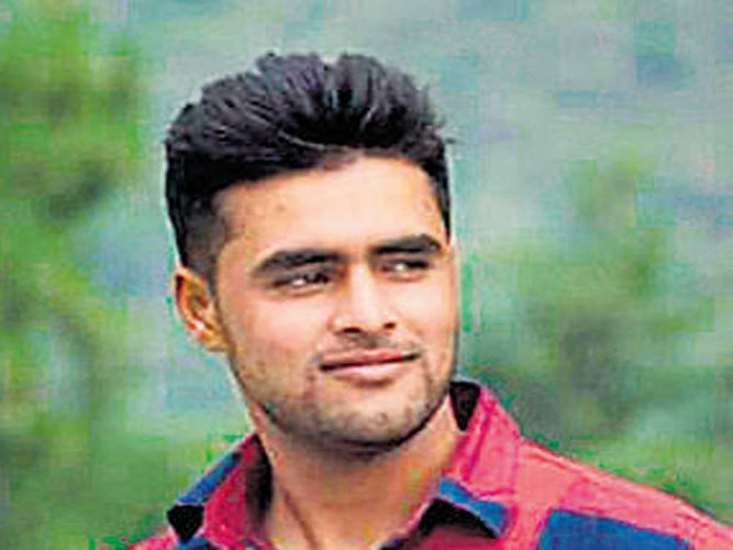 Off duty soldier killed by militants in Kashmir