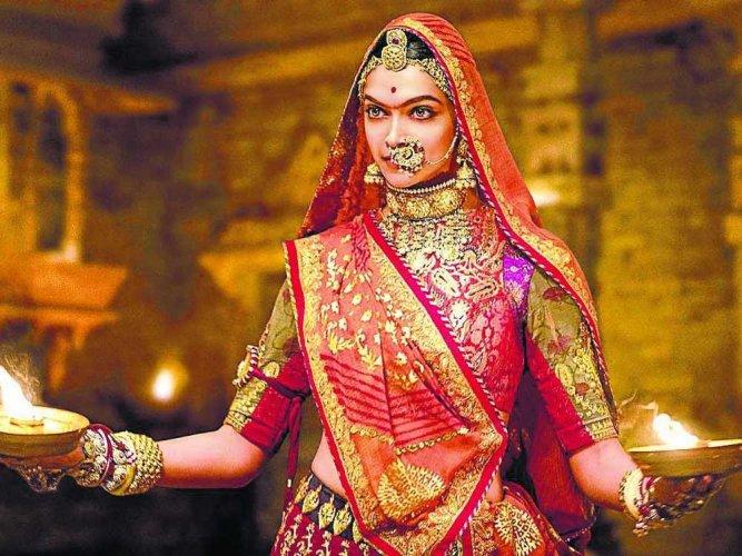 'Padmavati' row: No shooting for 15 mins across India today