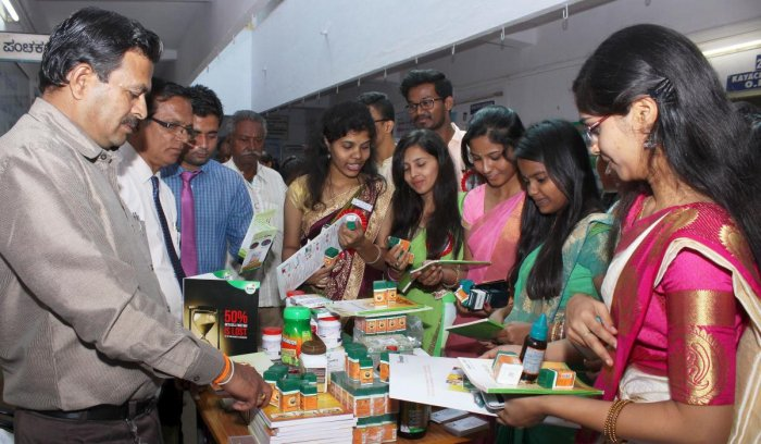 Youth asked to get global attention for Ayurveda