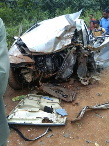 2 govt employees killed in accident