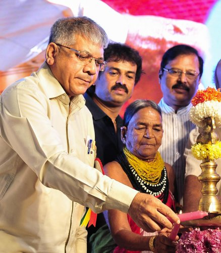 Bangarappa was a visionary: Prakash Ambedkar