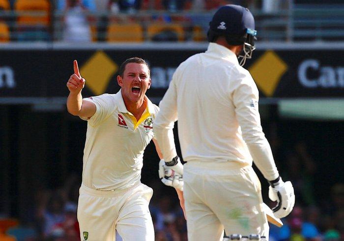 Aussies on verge of victory