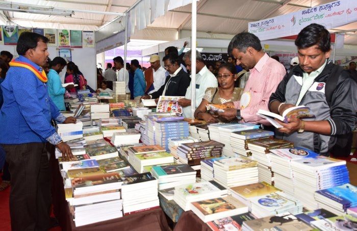 Bibliophiles throng litfest for sheer love of books