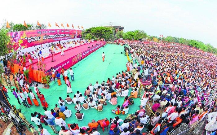 Pravin Togadia calls for a ban on 'Padmavati' movie: Togadia