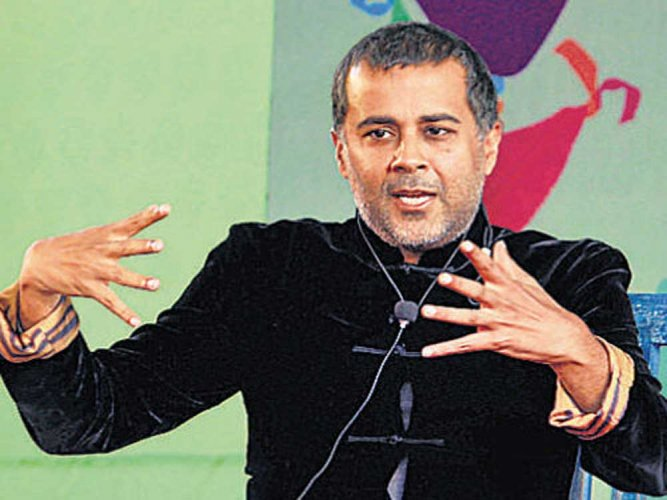 Transgress limitation to be successful: Chetan Bhagat