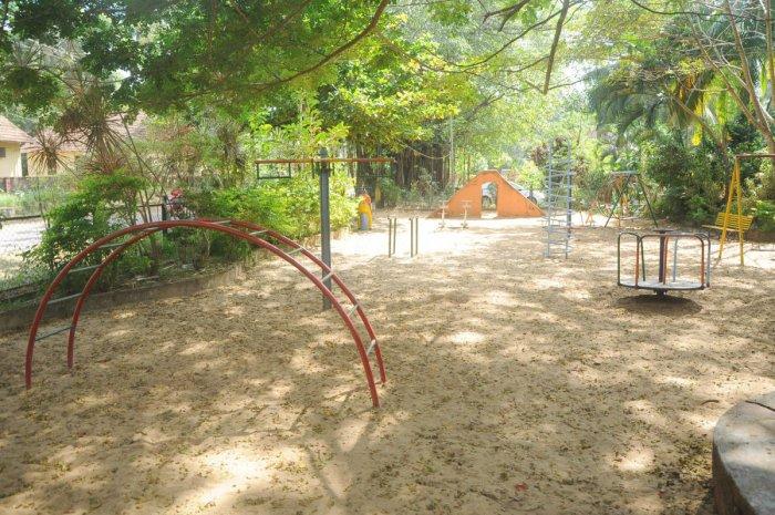 Poor maintenance of historic Bhujanga Park irks visitors