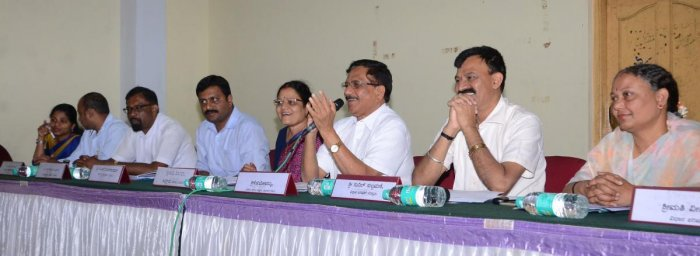 Complaints galore on civic issues at KDP meeting in Madikeri