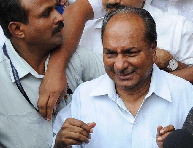 Antony in hospital after fall at Delhi home