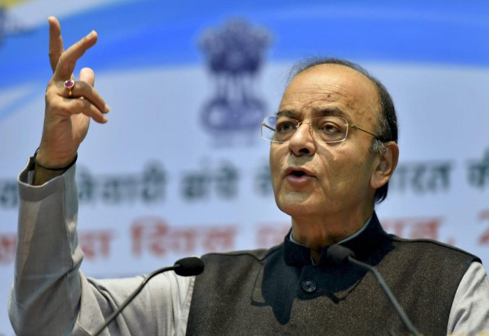 Gujratis will not accept a clone, says Jaitley