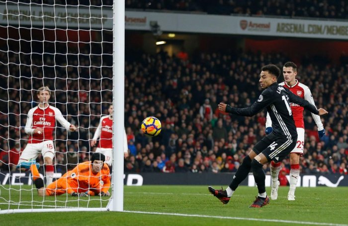 Blistering United down Arsenal