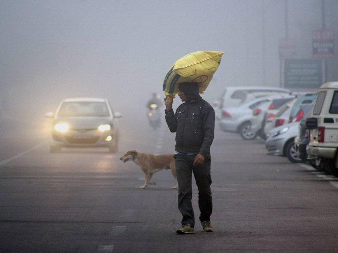 North India experiences biting cold; Sub-zero temp in Kashmir