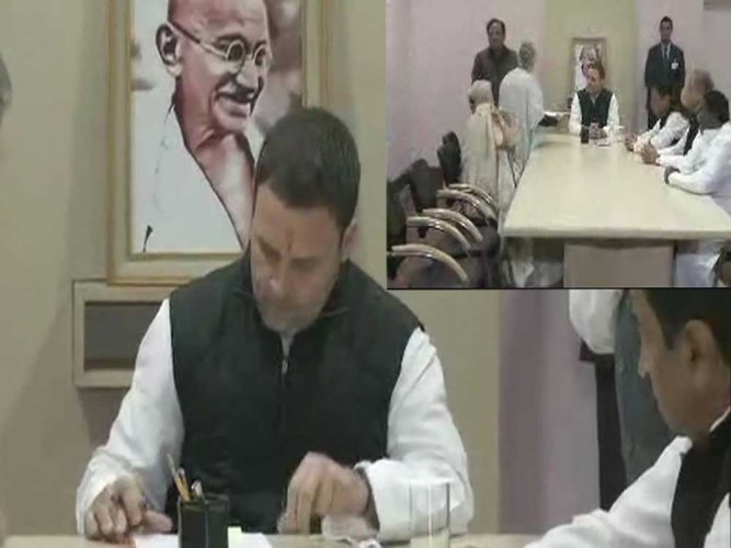 Rahul files nomination for Cong President's post