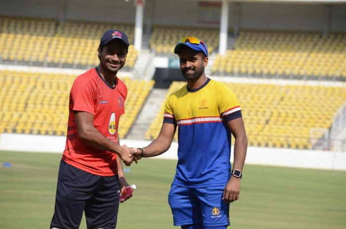 Karnataka-Mumbai in clash of titans