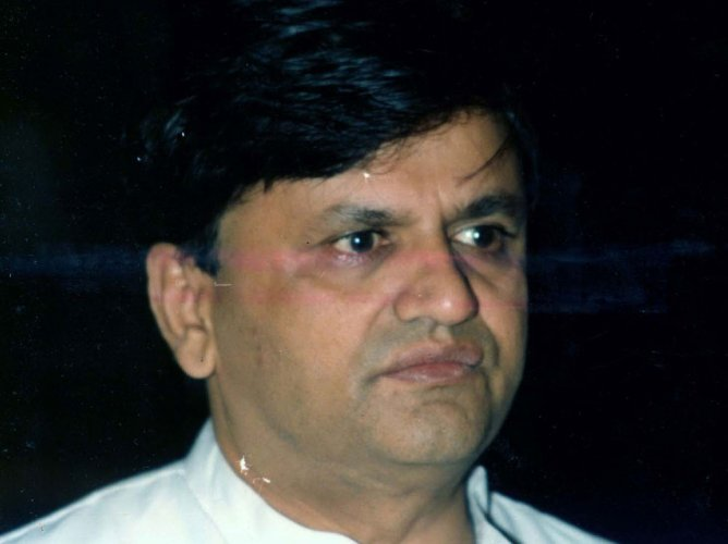 Posters seeking support for Ahmed Patel as CM stir controversy