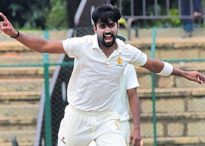 Vinay's hat-trick wrecks Mumbai