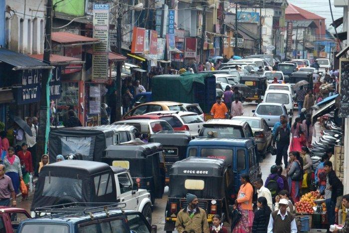 Traffic chaos haunt Madikeri