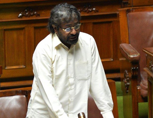 Shun your differences, Khandre tells Lingayat separatists