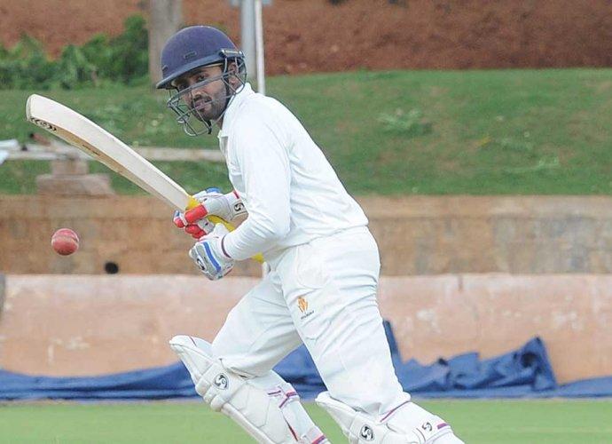 Shreyas ton puts Karnataka in driver's seat