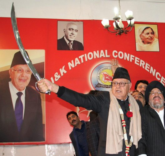 No truck with any party for next polls, says Farooq