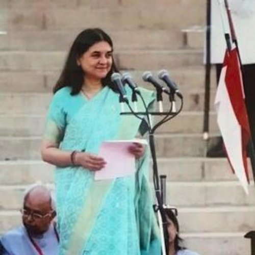 Act against casting couch in Bollywood: Maneka to directors