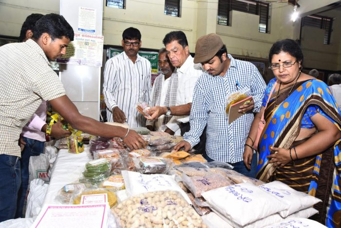 Millets, organic products available under roof