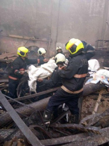 12 killed in fire at Mumbai snack shop