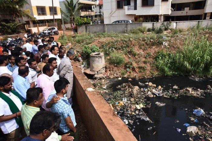 Sewage water flowing in Nala brings mosquito menace