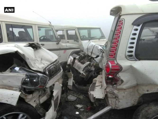Car pile-up on Lucknow-Agra Expressway; over dozen injured