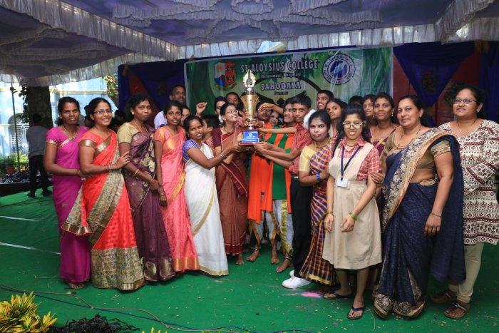 Manasa centre wins Chiguru contest
