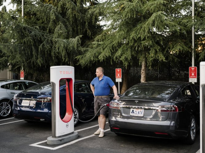 Finding raw materials key to electric car future