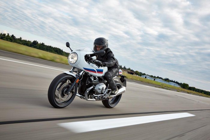 BMW R nineT Racer for that 70's look