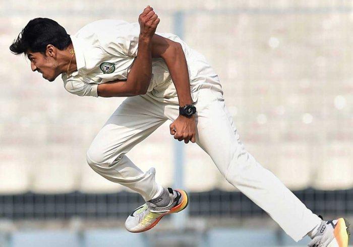 Vidarbha clinch thriller to knock Karnataka out