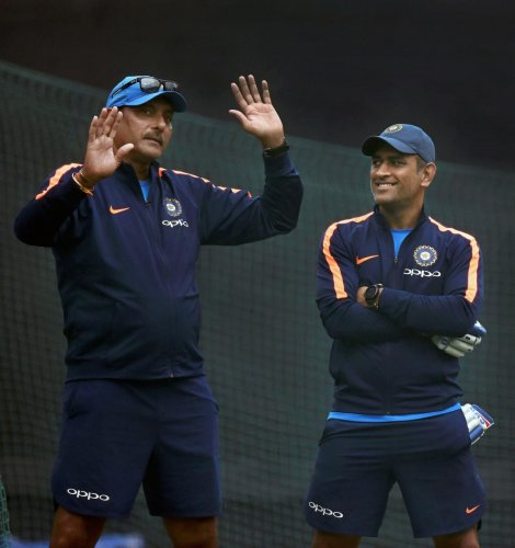 Dhoni at 36 can beat players of 26, says Shastri