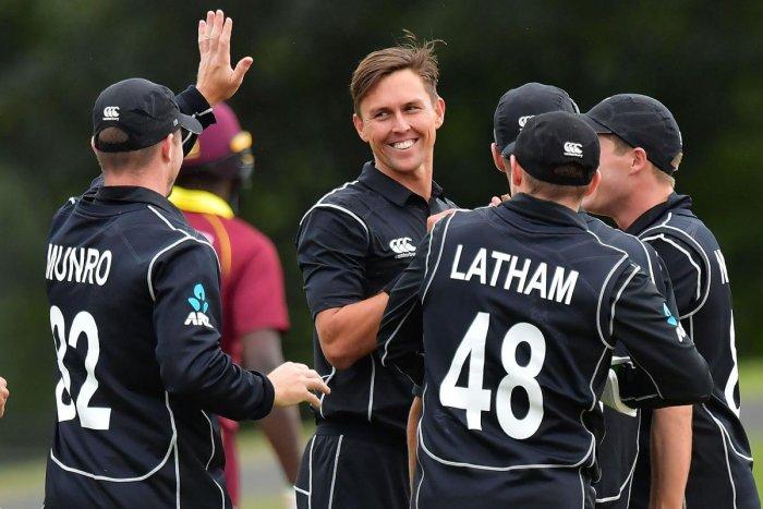 Kiwis sweep series with win in rain-hit game