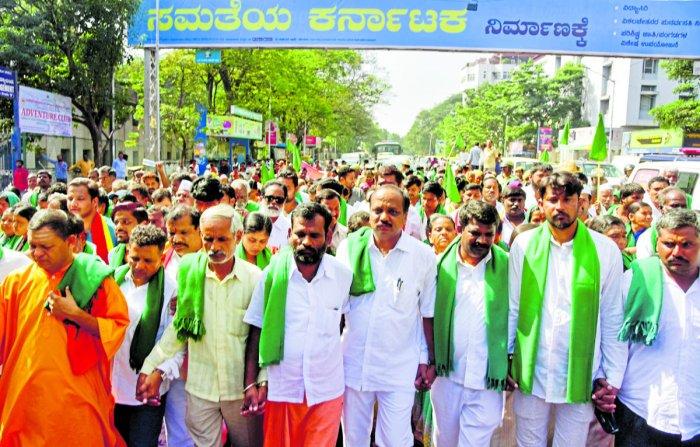 Mahadayi: Farmers end stir in Bengaluru, shift to North Karnataka