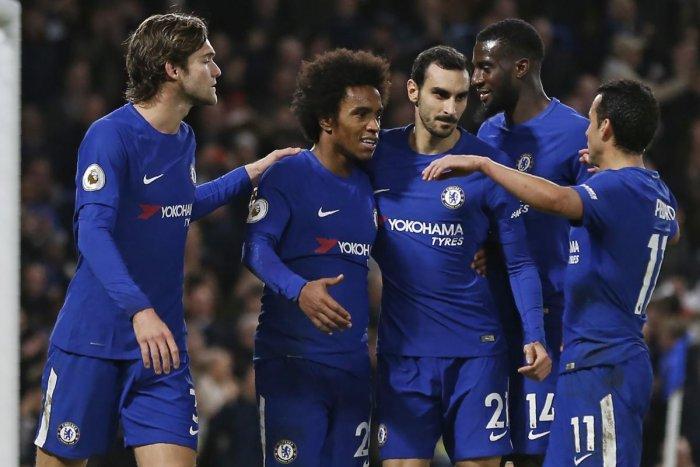 Salah brace sinks Leicester