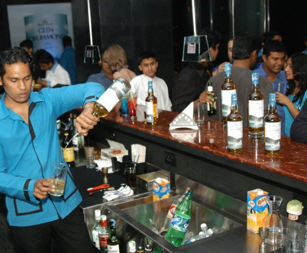 Many rooftop pubs flouting fire safety norms