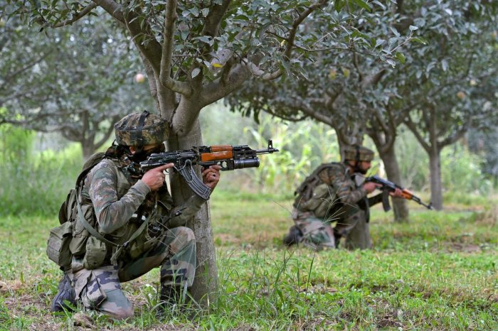 Soldier killed as Pak violates ceasefire along LoC